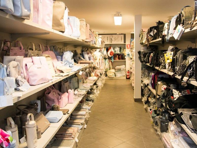 La Casa del Peque - Tu tienda de productos para bebés con las mejores marcas del mercado en Sámano, Cantabria. Más de 2000m de exposición. Llámanos al 942 865 095