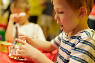 El desarrollo cognitivo de los niños se ve afectado por una dieta con alto contenido en grasas