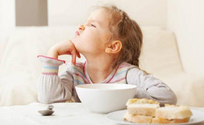 No distraigas a tus hijos mientras comen