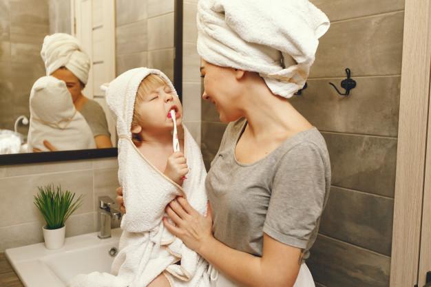 Enseña a tu bebé a lavarse los dientes