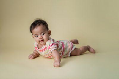 Cómo ayudar a fortalecer los músculos de tu bebé