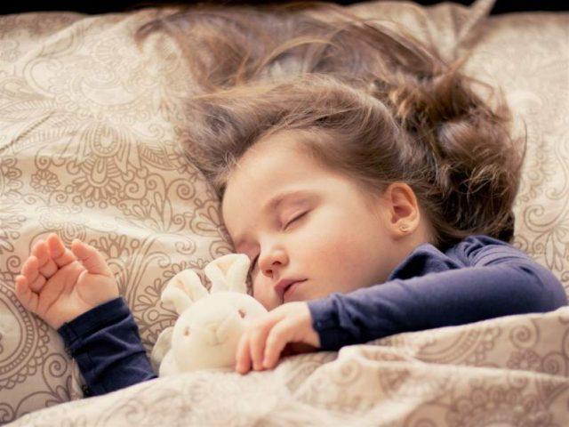 Rutina de sueño para que tu hijo duerma bien